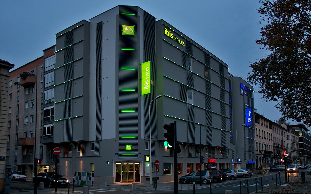 Hotel_Ibis_LEC_01_HD_1200px